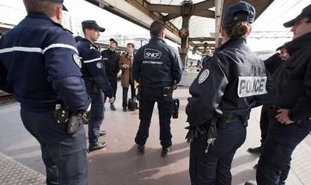 Surete une op ration commune police douane suge for Police nationale lille